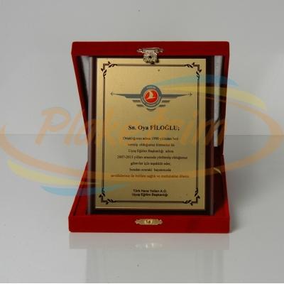 Kadife Kutulu Ahşap Plaket 15x20 Model 1